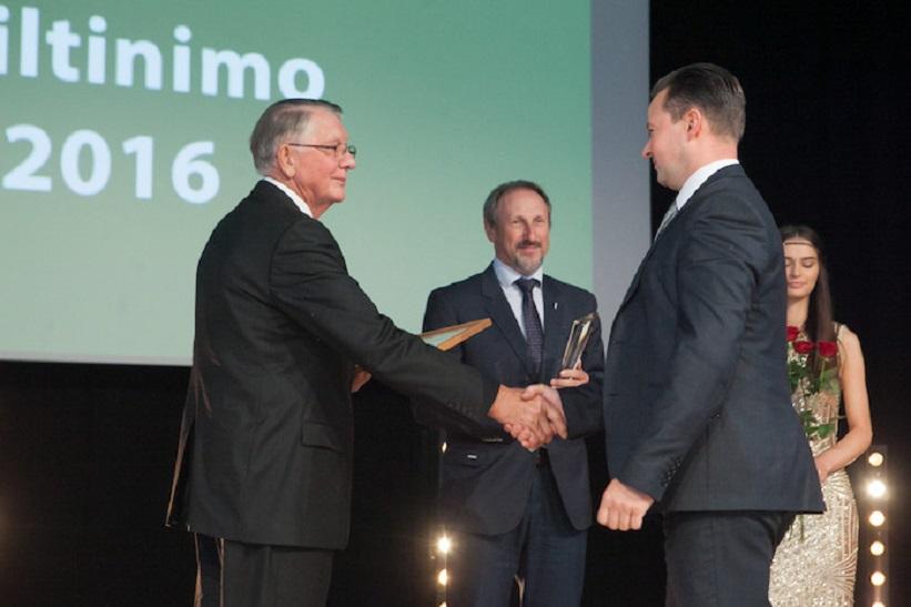 Statiniu siltinimo lyderis Polistireninio putplascio asociacija Apdovanojimo iteikimas